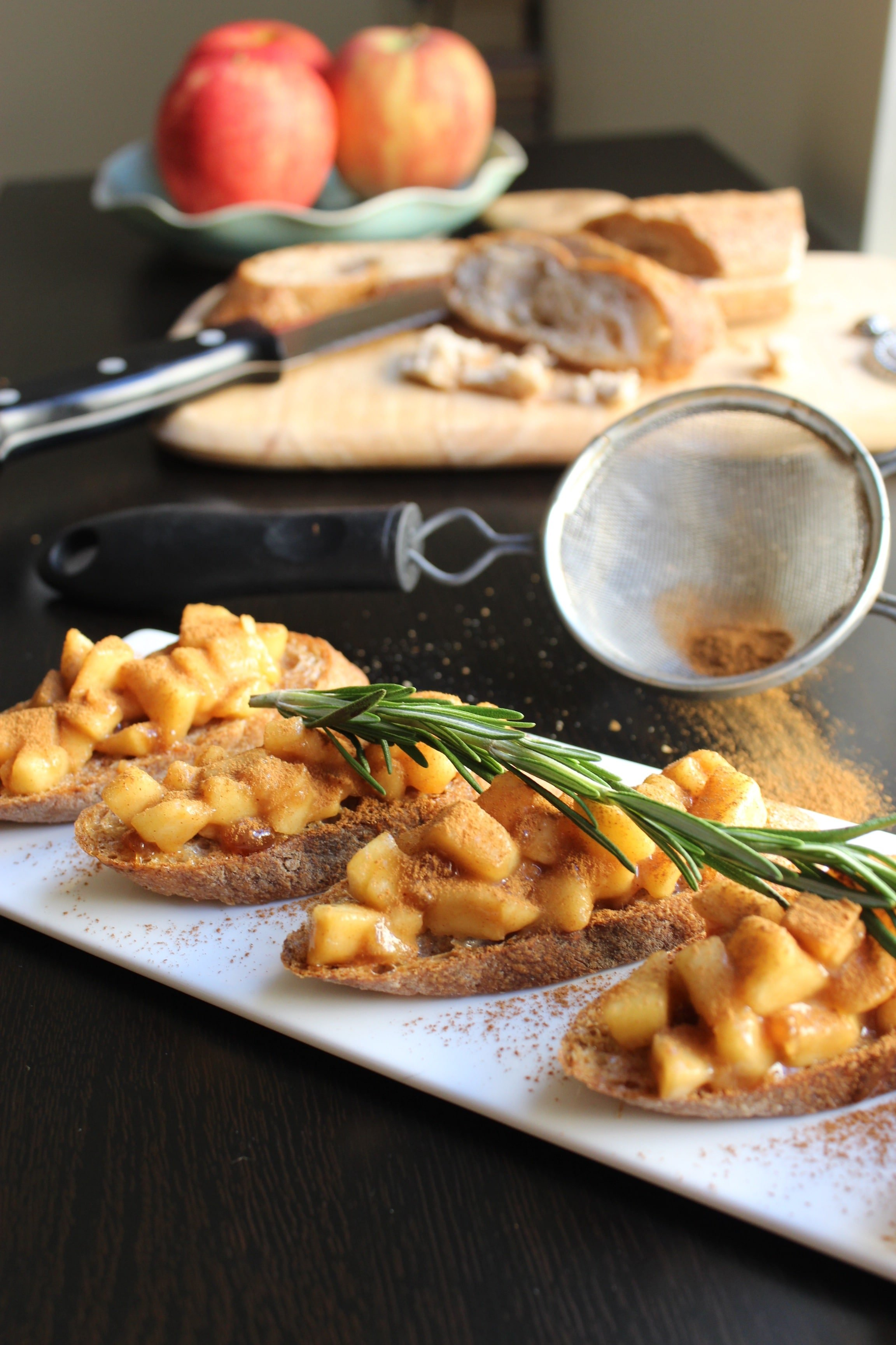 Apple Pie Bruschetta