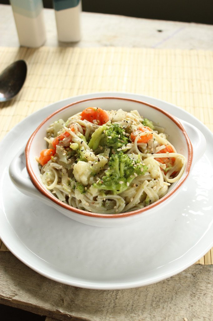 Creamy Vegan Pasta with Mixed Veggies