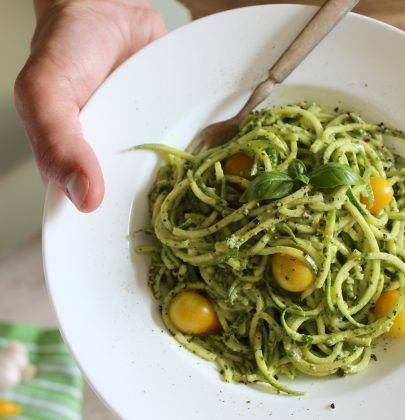 10 Minute Zucchini Noodles with Vegan Cashew Pesto