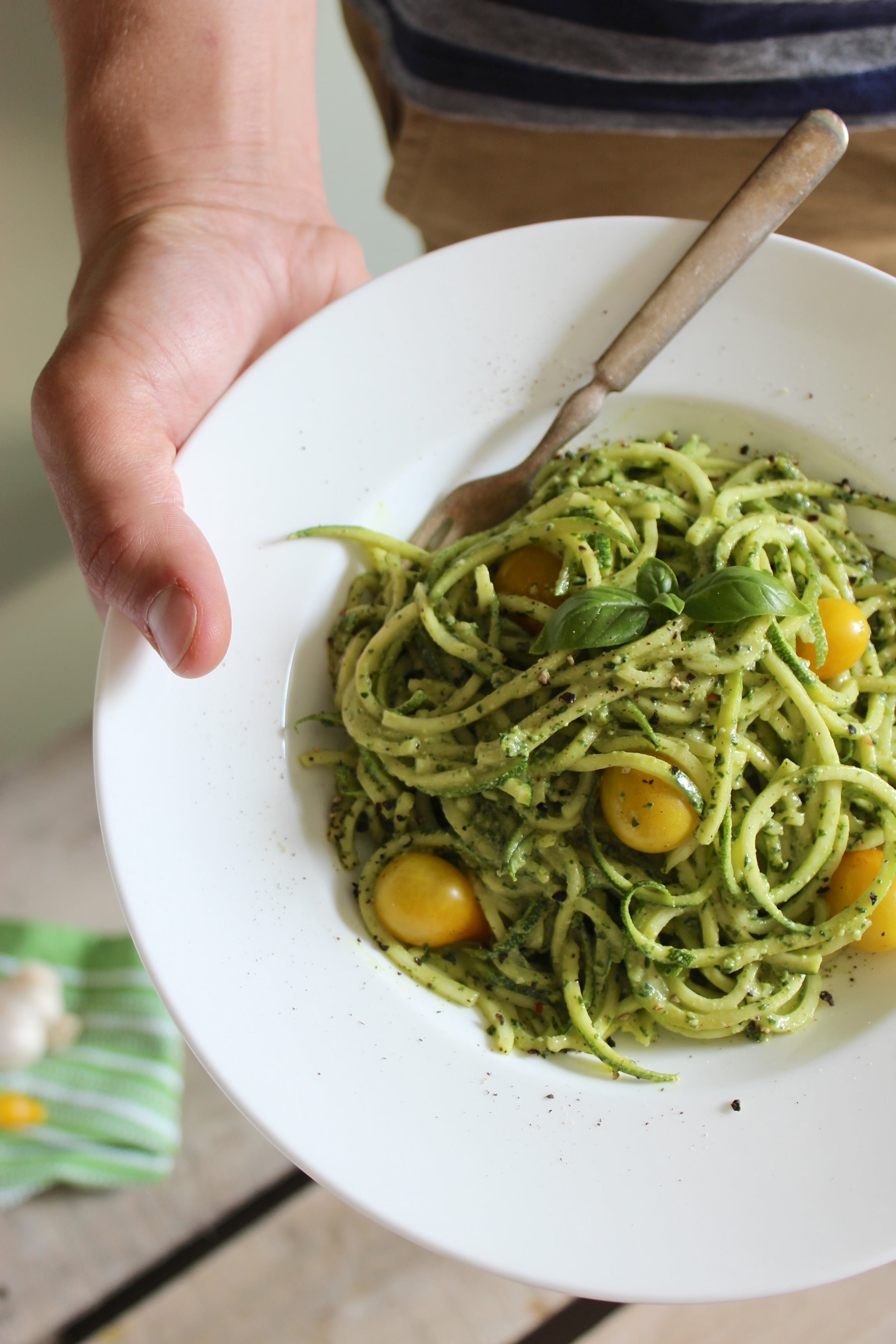 Zucchini Pasta with Vegan Cashew Basil Pesto – The Fitchen