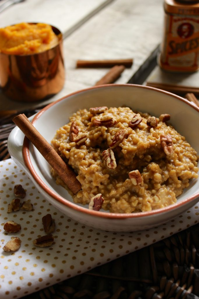 Pumpkin Spice Slow Cooker Oatmeal