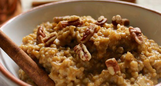 Pumpkin Spice Slow Cooker Oatmeal