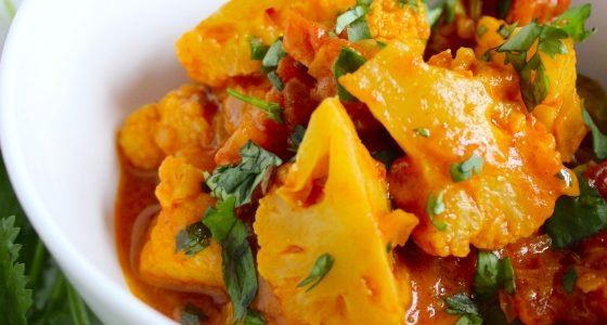 Easy Vegan Cauliflower Curry