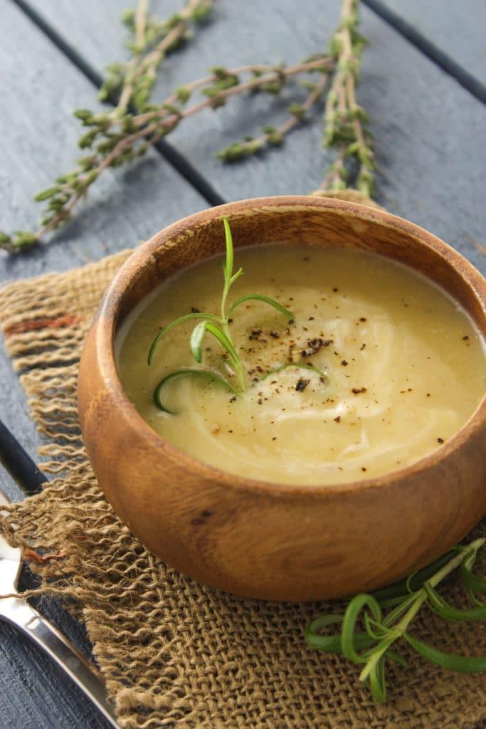 30-Minute Creamy Cauliflower and Potato Soup