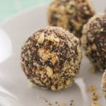 5-Ingredient Chocolate Almond Energy Balls