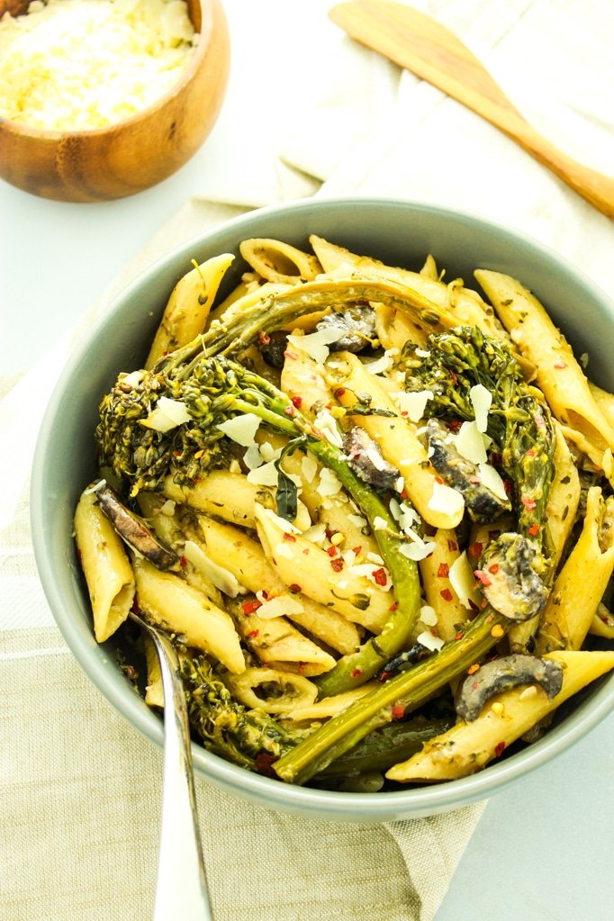 Broccolini pasta with creamy white wine sauce broccolini pasta with creamy white wine sauce this recipe is perfect for weeknight dinners forumfinder Gallery