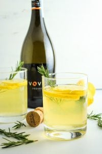 Lemon Ginger Prosecco Cocktails – We LOVE these drinks! They're so easy to make and perfect for brunch or a date night in.