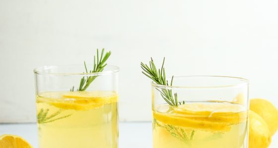 Lemon Ginger Prosecco Cocktails