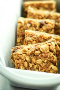 Salted Chocolate Granola Bars – EASY to make, homemade granola bars. And cheaper than store-bought. Can be made with vegan chocolate!