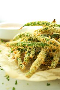 Easy Baked Green Bean Fries – LOVE this recipe for a quick, go-to snack or dinner side. These are seriously addicting!
