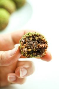 Brownie Energy Balls – LOVE these energy balls. They literally taste like brownie batter. I make this recipe all the time.