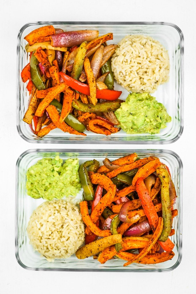 Sweet Potato Fajitas Meal Prep - This is the BEST sweet potato meal prep. It's so EASY! Veggies cook on a sheet pan and the rice gets done at the same time. My go to meal prep lately! Sweet potatoes and bell peppers!