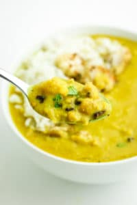 One Pot Turmeric Cauliflower Soup – Super EASY soup with cauliflower and chickpeas, obviously turmeric too! This is a weeknight staple because it's one pot!